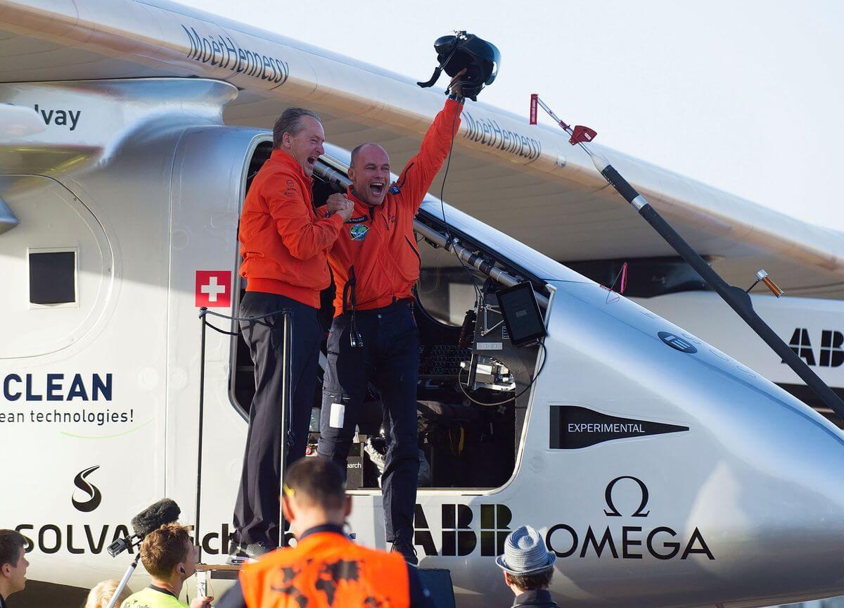 機師皮卡特(右)(圖:Solar Impulse)
