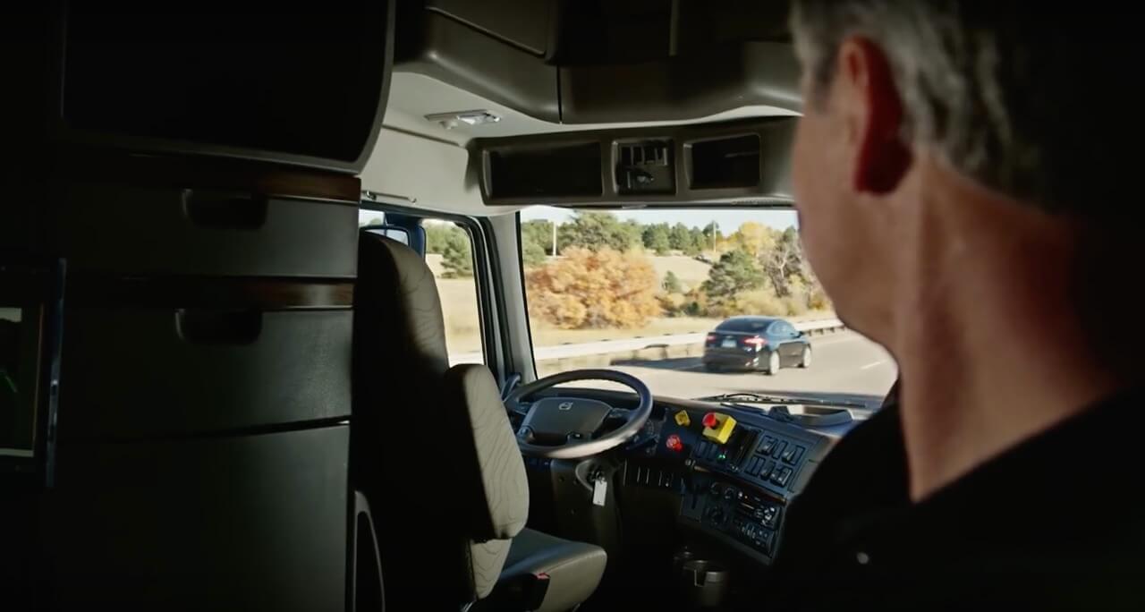 自動駕駛無人貨車2